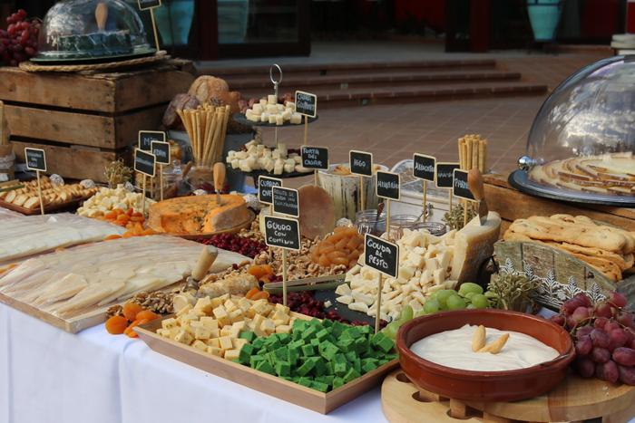 mesa de quesos catering bonillo